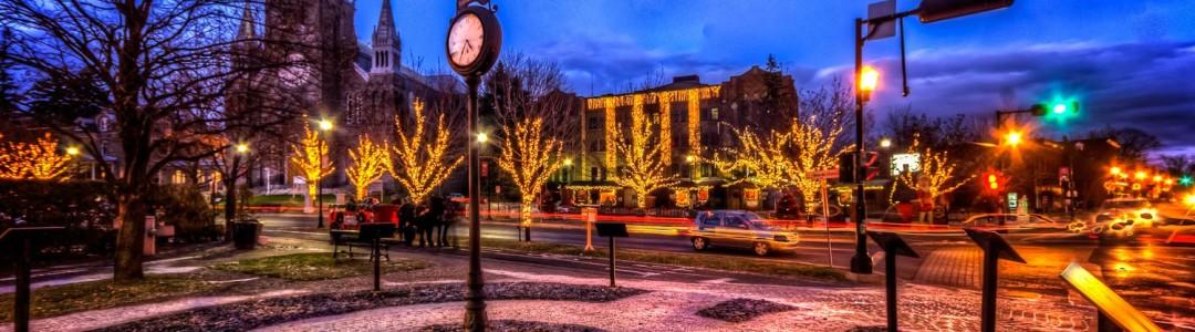 Place de l'horloge et place du village